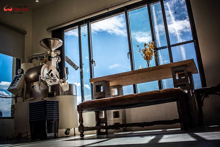 手沖咖啡推薦!三芝秘境別墅裡的「錘子咖啡」有著職人烘豆、品測咖啡的日常,假日出遊必備網紅咖啡廳,讓咖啡香與手作甜點陪你度過悠閒下午茶