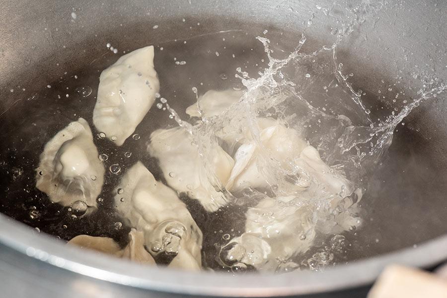 金門隱藏美食在山外【巴布豆花 酸白菜水餃】台北也吃得到!用金門聞名的「酸白菜」包水餃,酸爽脆口的滋味,吃過就愛上!