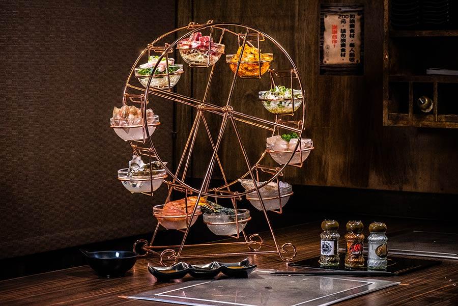 台北吃到飽燒烤餐廳【饗鮮肉】推出葡萄蝦、法國海螺等稀有食材!超夢幻「摩天輪」端上桌,吸睛又美味
