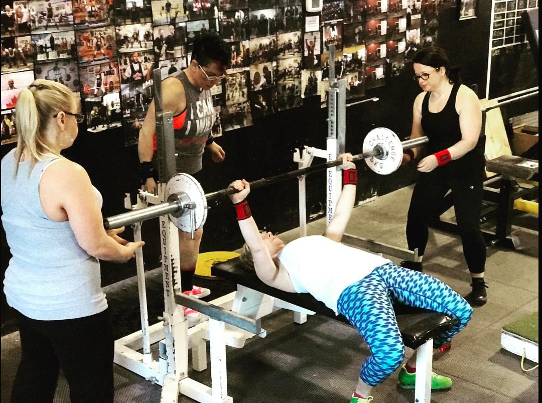 5 Big Bench Press Mistakes Women Make -