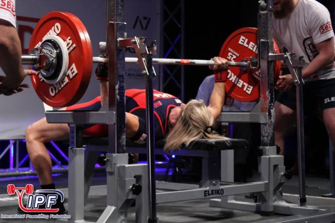 6 Questions With World Champion Powerlifter Jennifer Thompson