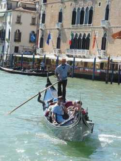 Venedig 15 Gondoliere am Canal Grande