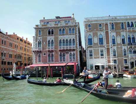 Venedig 16 Gondoliere am Canal Grande