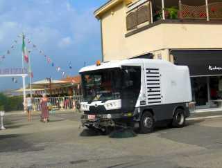 viareggio-4-an-der-promenade-ist-es-sauber