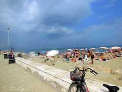 viareggio-8-strandleben