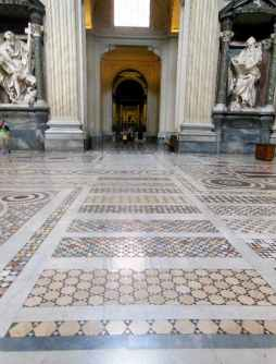 Rom 9 - Lateranbasilika 9 Bodenmosaik 2