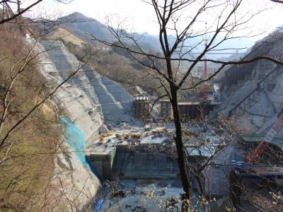 Constructing Yanba Dam