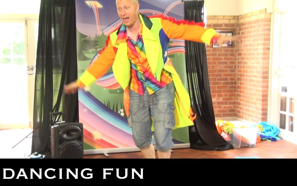 Looking for a hands-on children's party experience that combines performance, circus skills, music and dance? The Showtime Adventure Challenge Party is full of storytelling imagination and action.