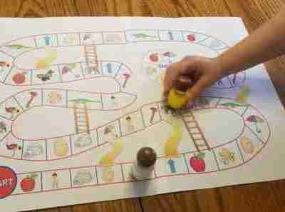 Printable Short Vowel Phonics Game