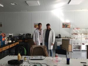Diego y Sergio Bonati en las instalaciones de TECOAL/MICROAL (Laboratorio acreditado por la ENAC)