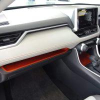 新型 RAV4は内装も良い! 細かい質感ポイントや後席・ラゲッジの使い勝手もチェック!