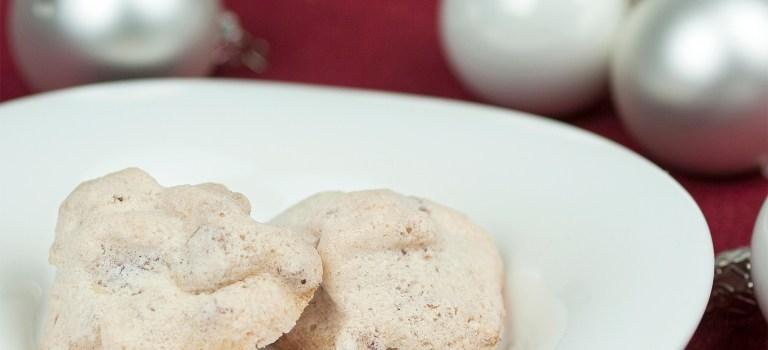 Süße Walnuss-Wölkchen zur Weihnachtszeit