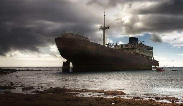 ship wallpaper 9