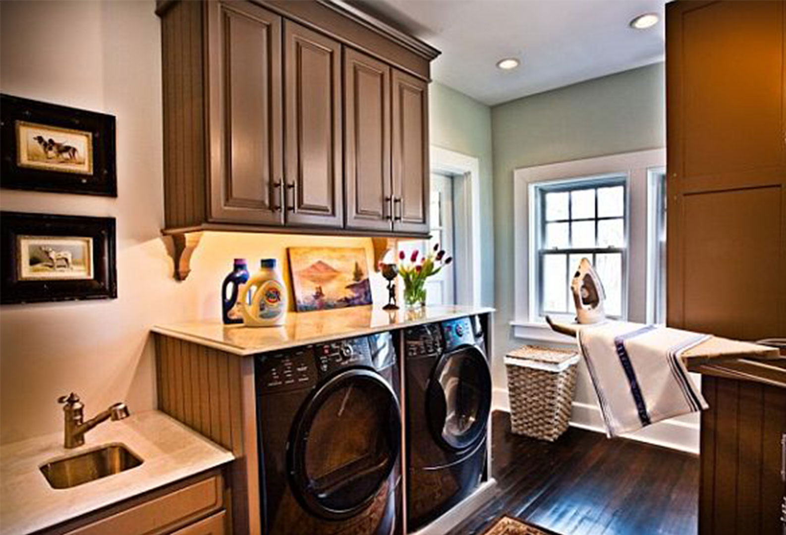 25 Brilliantly Clever Laundry Room Design Ideas on Laundry Room Decor Ideas  id=48626