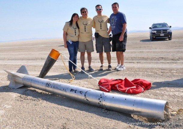 Homemade Rocket Reaches a Height of 121,000 ft13