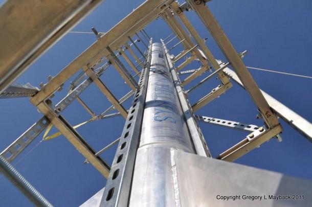 Homemade Rocket Reaches a Height of 121,000 ft14