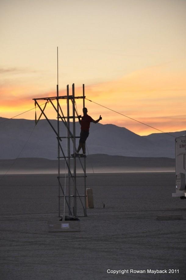 Homemade Rocket Reaches a Height of 121,000 ft28