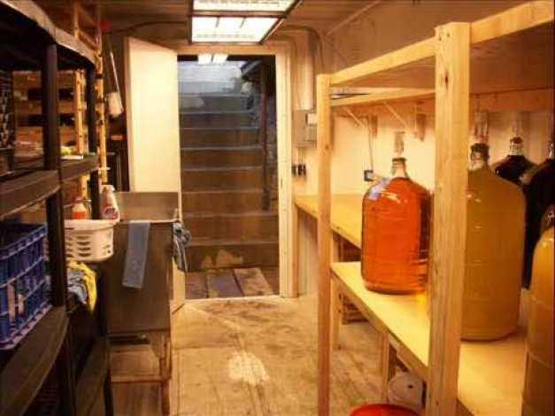 shipping continer basement18