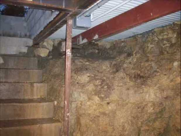 shipping continer basement19