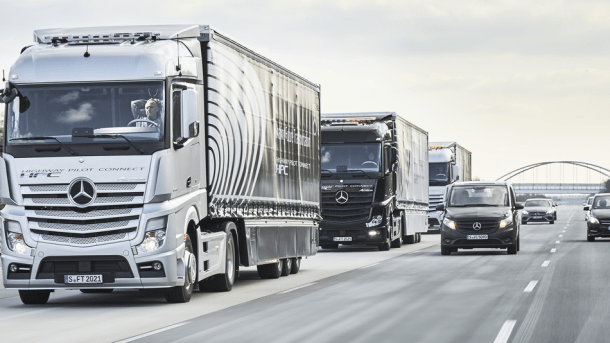 Forget 'Tesla Semi,' Mercedes Rolls Out The World's First All-Electric Truck_Image 1