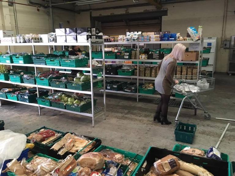the-first-pay-as-you-feel-food-waste-grocery-store-opens-in-the-uk_image-0