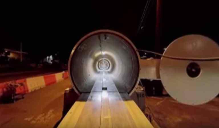 Watch How It Is To Travel Inside A Hyperloop Pod