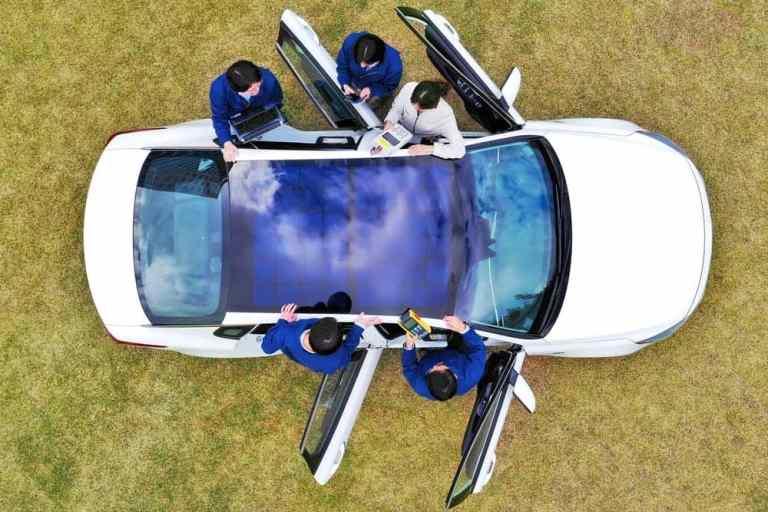 hyundai bringing panorama solar panels on roof and hood of the car
