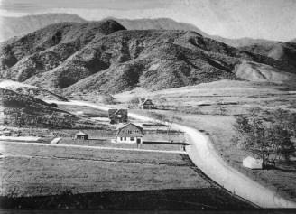 Highland Ave., north of Hollywood Blvd. 1906.