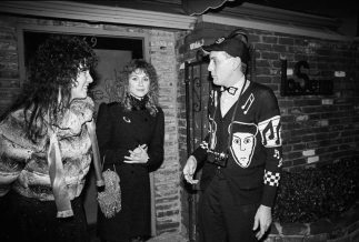 Wilson sisters with Rick Nielsen of Cheap Trick.