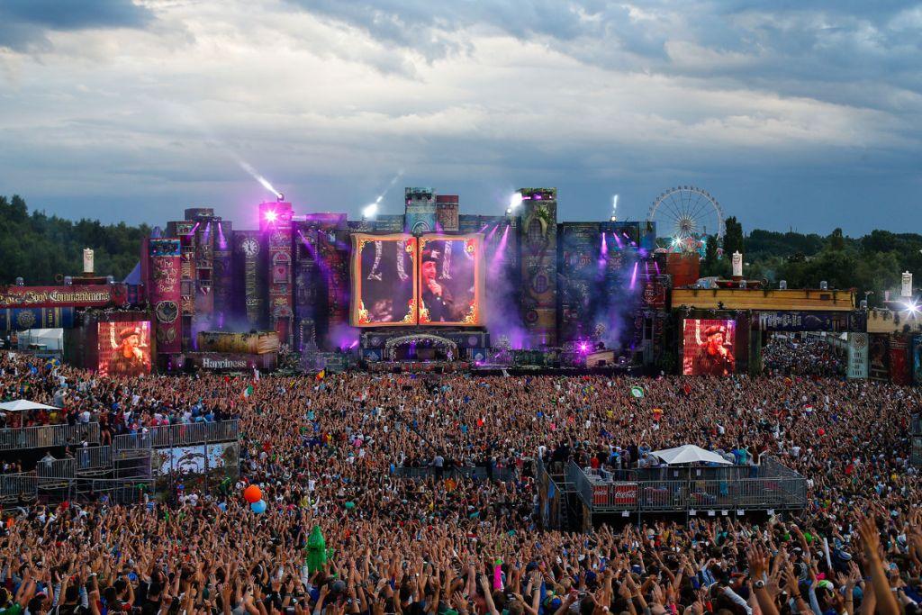 tomorrowland2012