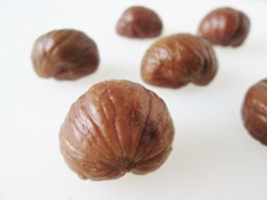 Try to use large chestnuts, all of similar size with no major cracks or breaks.