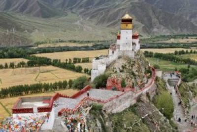 Yumbulakhang the oldest fort in Tibet