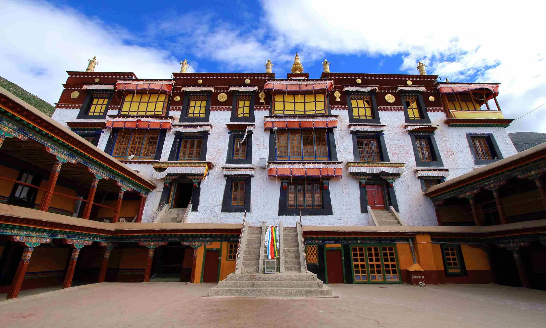 Монастырь Дрепунг в Лхасе