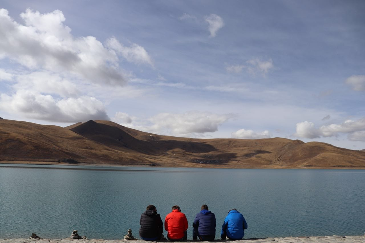 Stop by the Yamdrok lake