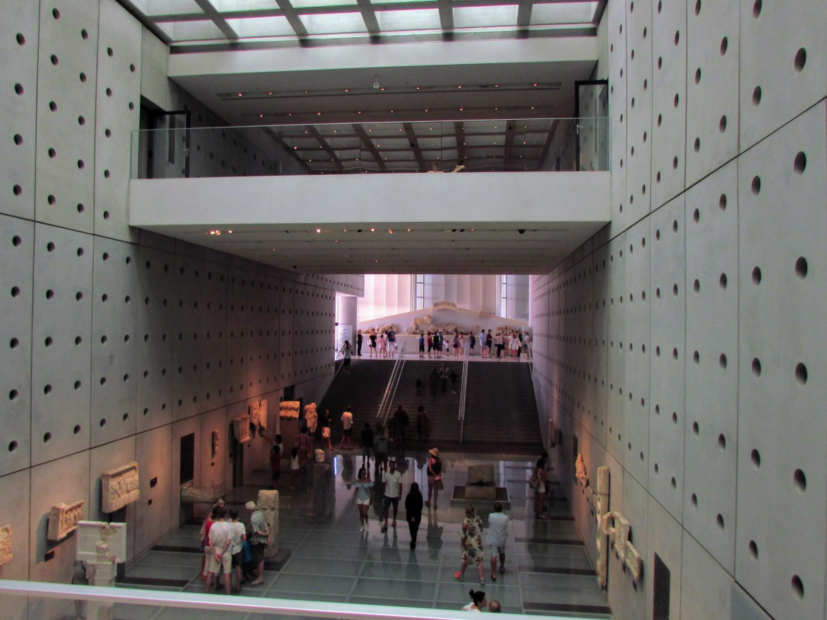 The amazing architecture of the New Acropolis Museum interior