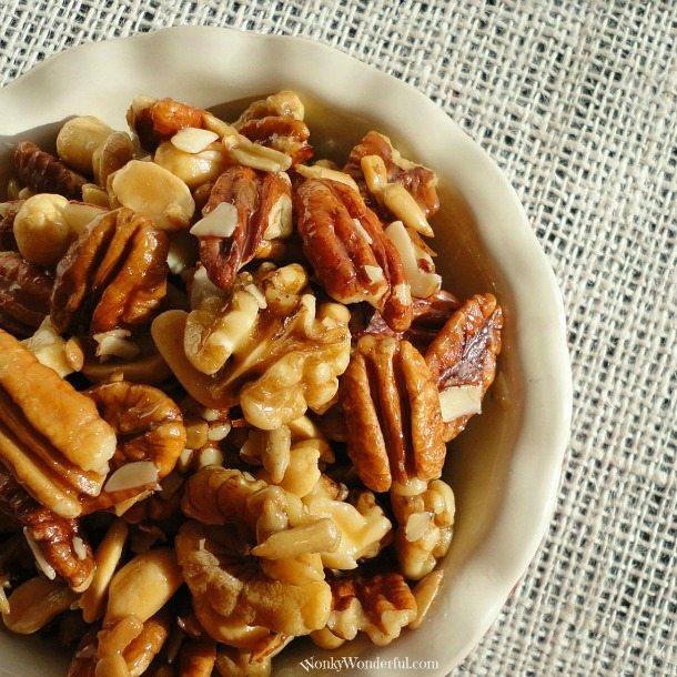 Honey Roasted Nuts ::: wonkywonderful.com