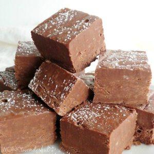 Simple Fudge Recipe - Smooth Chocolate Fudge that is the perfect Holiday Dessert - wonkywonderful.com