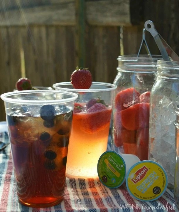 Strawberry Lemonade & Blueberry Tea with Keurig Brew Over Ice K-Cups : simple syrup recipe : flavored ice cubes : summer drinks