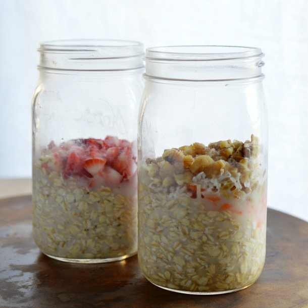 Carrot Cake Overnight Oatmeal Recipe - This no cook oatmeal is a fantastic healthy and easy breakfast!