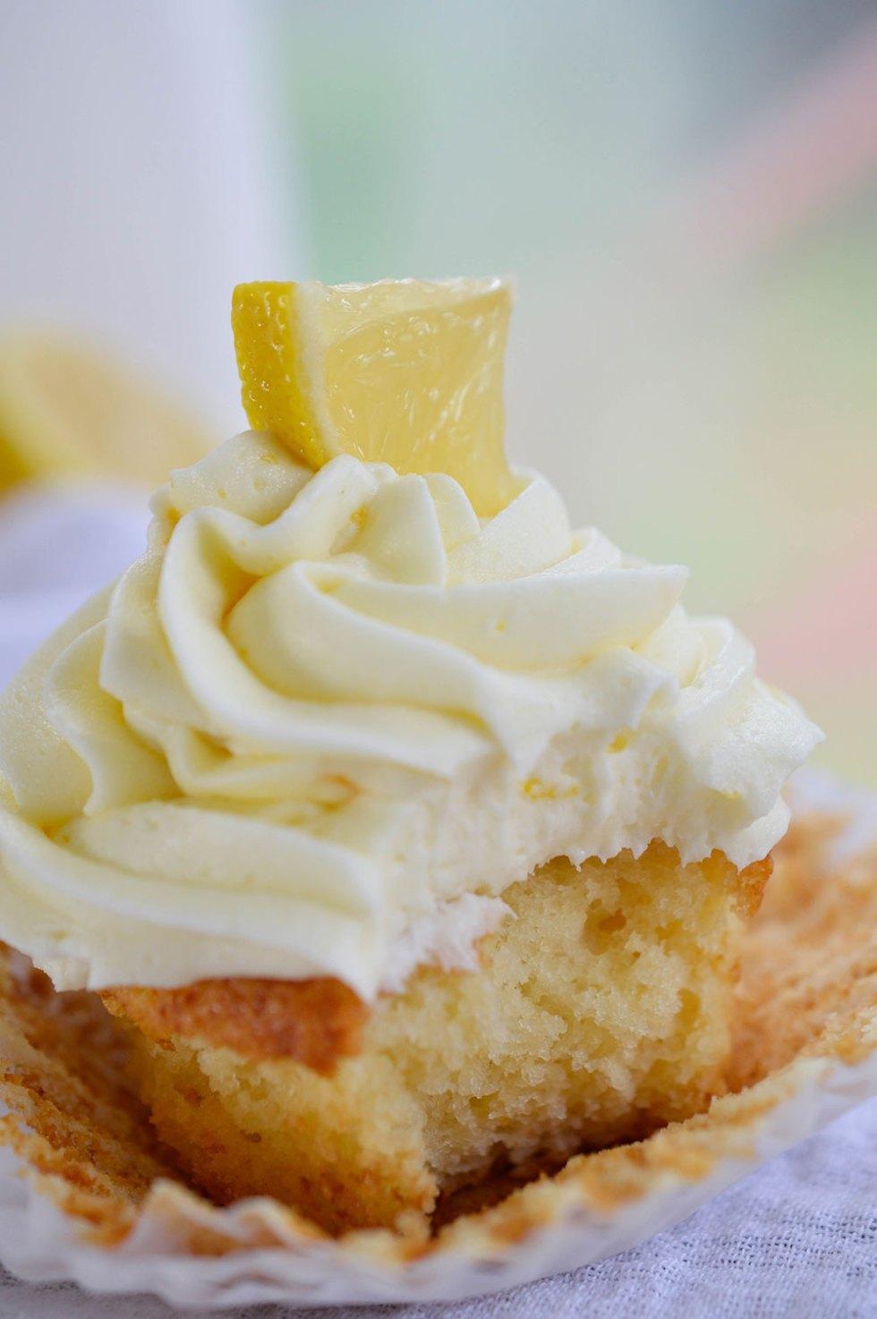 Easy Lemon Cupcakes made with Lemon Crème pie filling. A quick and easy lemon dessert!
