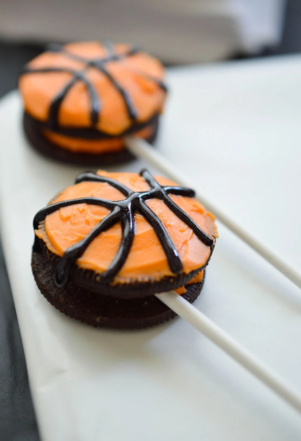 Basketball Party Ideas for your B-ball themed celebration. Cheer on your favorite team while enjoying this Basketball decor and fun desserts! Party planning can be easy with Peanut Butter Cup Brownies, OREO Truffles and OREO Pops!