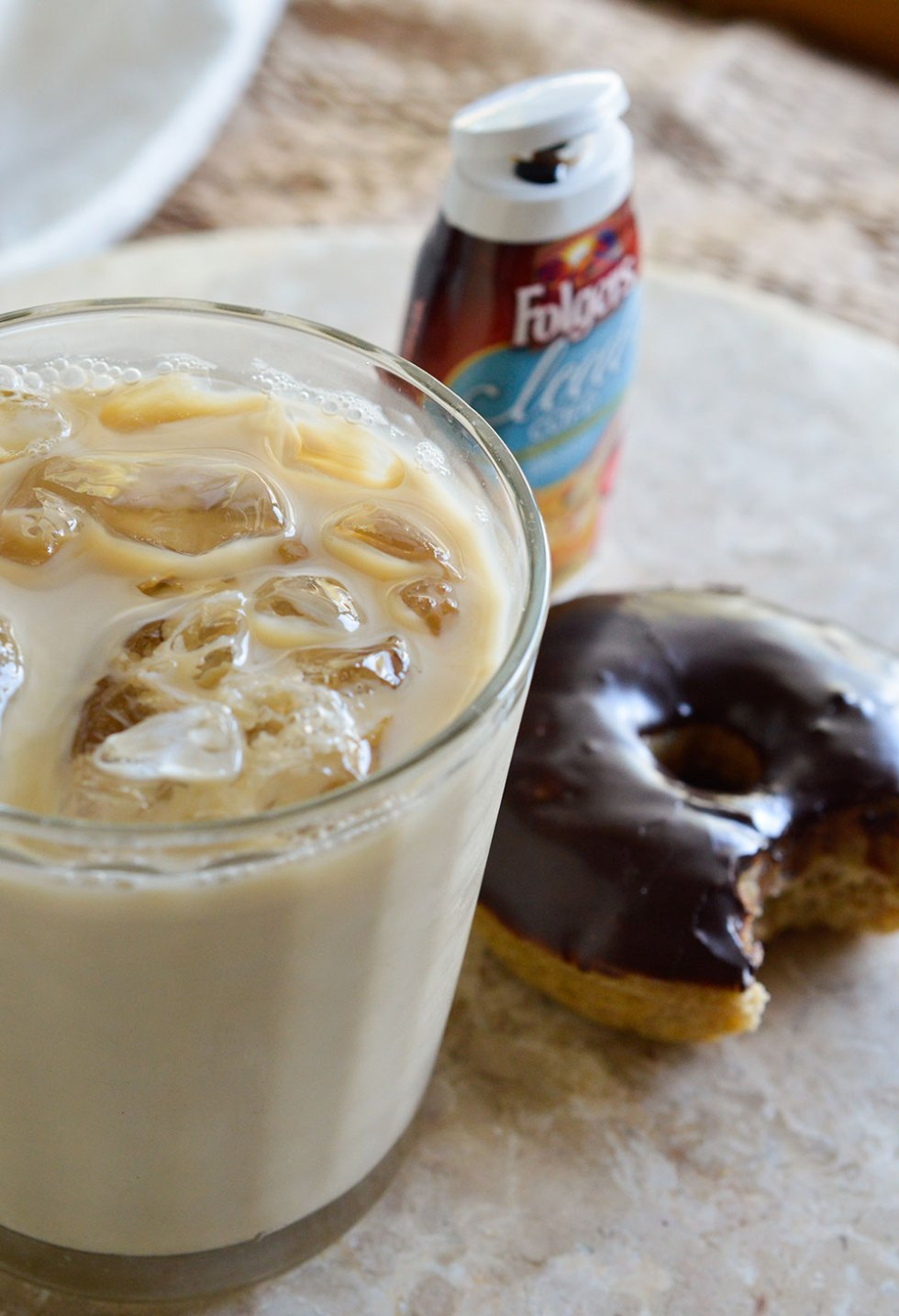 Chocolate Glazed Banana Donuts and Iced Coffee for the ultimate summer breakfast! This baked donut recipe is super quick and easy! Doughnuts + Coffee = Good Morning!