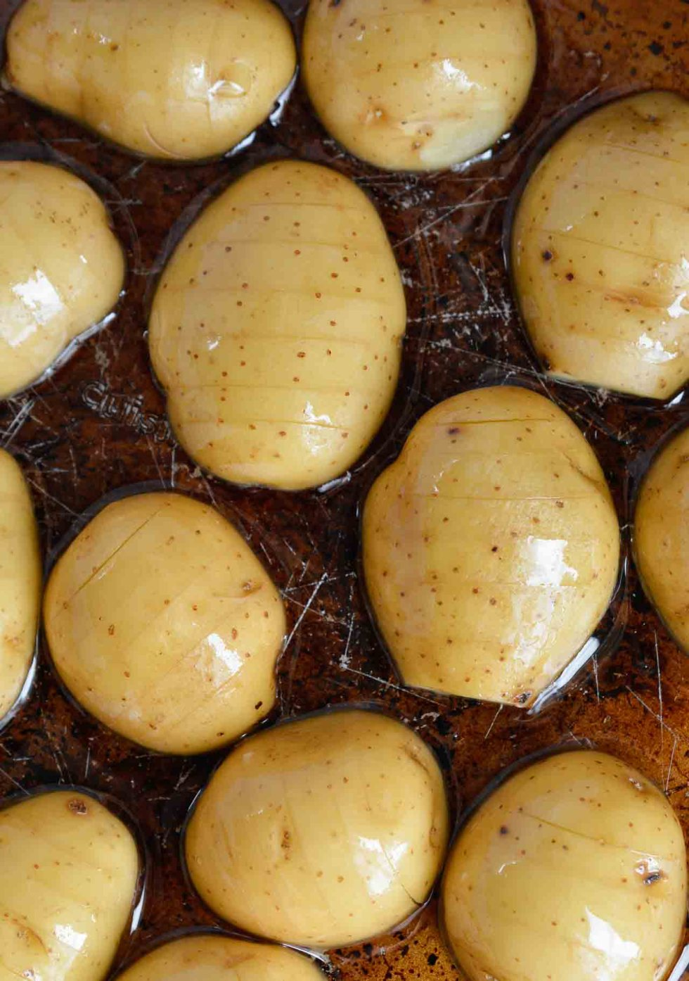 These SimpleOven Roasted Potatoes are absolute potato perfection! Golden brown and crispy on one side, creamy and dreamy on the other. This recipe is great as a side dish for just about any meal! This recipe is Whole30 compliant, Vegan, Gluten Free and Dairy Free. #dairyfreerecipes #whole30recipes