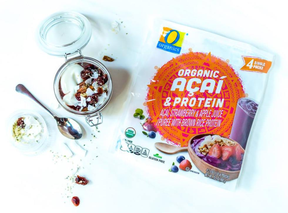 easy healthy breakfast ideas including this acai yogurt parfait