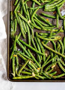 Roasted Fresh Green Beans and Garlic