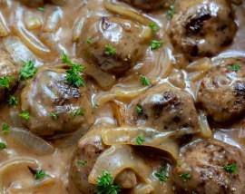 meatballs in brown onion gravy