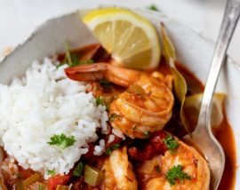 shrimp ina spicy red sauce served with white rice