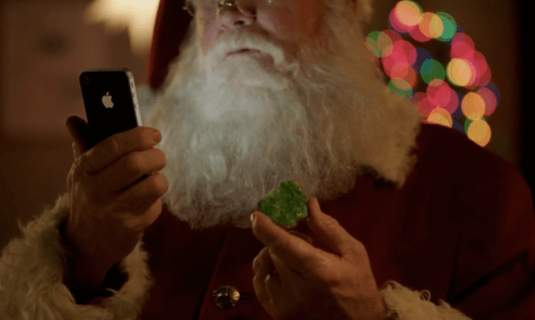 santa-with-his-iphone