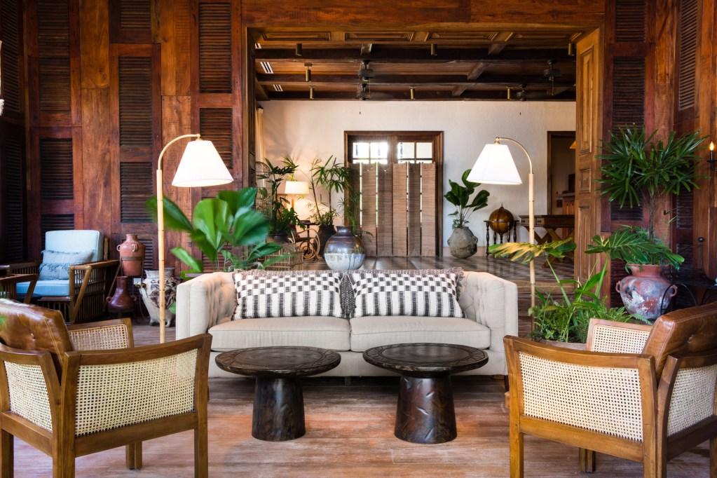 Itz'ana - World's Best Eco Resorts, Eco Hotels, Ecolodges, Eco Cabins and Eco Retreats - Flunking Monkey