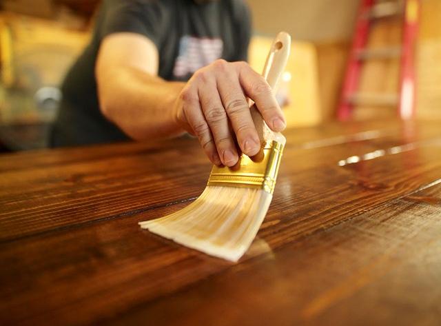 varnishing